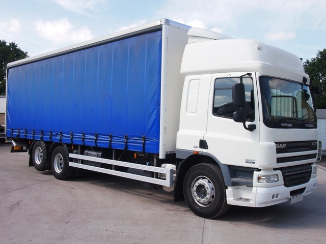 Daf-FAS-CF75.310-Spacecab-28-Foot-Curtain-Taillift-MX09-BWH-001