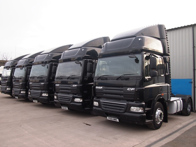 Daf-FT-CF85.410-Spacecab-4x2-Tractor-Unit-Multiple-Pictures-0108