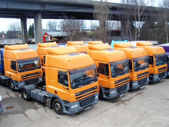 Daf-FT-CF85.430-Spacecab-4x2-Tractor-Unit-Multiple-Pictures-003