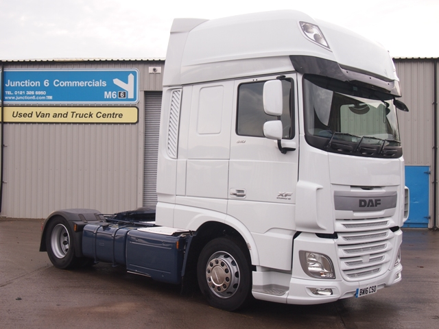 Daf-FT-XF105.510-SuperSpace-Cab-4x2-Low-Height-Tractor-BW16-CSO-002
