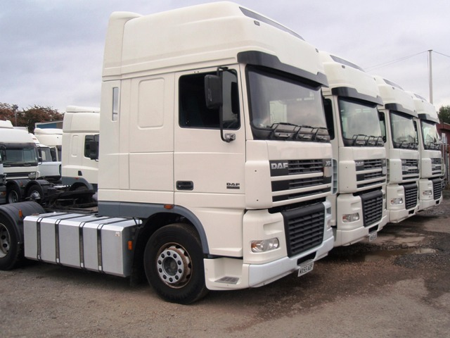 Daf-FT-XF95.430-Superspace-4x2-tractor-units-002