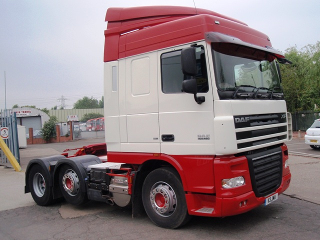 Daf-FTG-XF105.460-Spacecab-6x2-midlift-tractor-V3-JMA-001