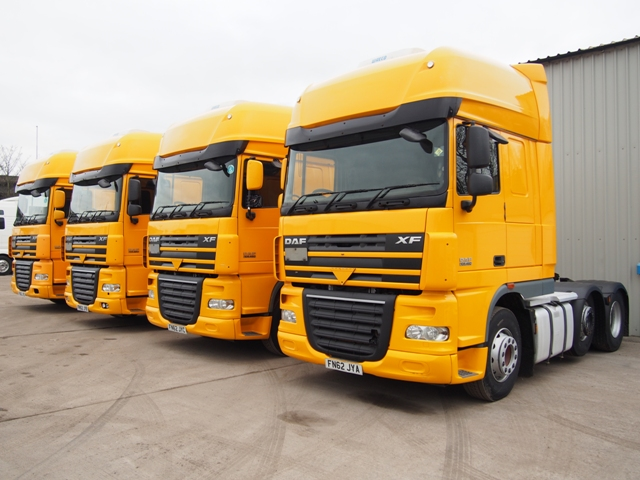 Daf-FTG-XF105.460-SuperSpace-Cab-6x2-Tractor-Unit-Multiple-Pictures-002.JPG