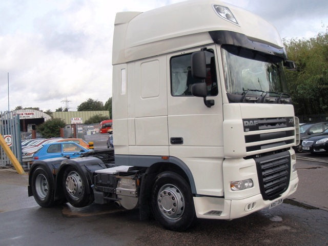 Daf-FTG-XF105.460-Superspace-Cab-6x2-Tractor-Unit-NX57-DXW-006