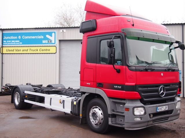 Mercedes-Actros-1836LS-Chassis-Cab-KX57-LDF-001