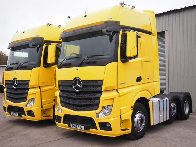 Mercedes-Actros-MP4-2548LS-Gigaspace-6x2-Tractor-Unit-Multiple-003