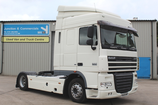 Daf FT XF105.410 Spacecab 4x2 Low Height Tractor Unit RM09 MHE 001