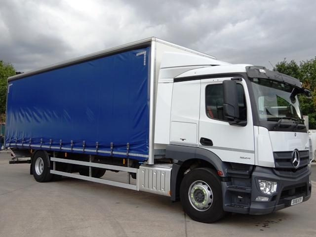 Mercedes Actros MP4 1824 27 Foot 1ins Curtain Taillift SV16 KTP 001