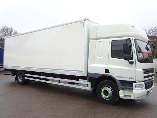 Daf FA CF65.250 Spacecab 30 Foot 4ins Box Taillift YD13 BZP 001