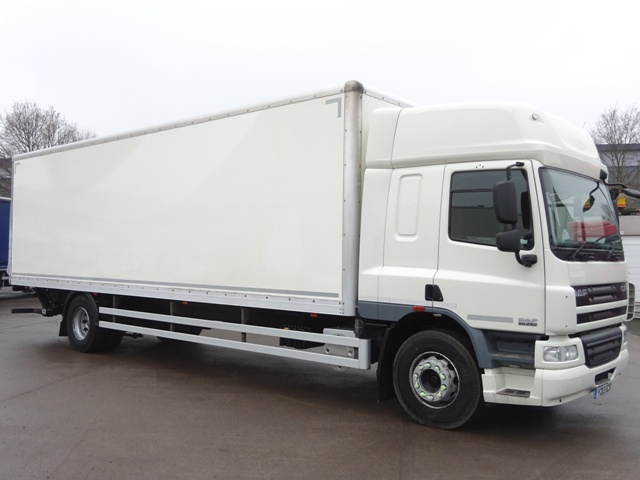 Daf FA CF65.250 Spacecab 30 Foot 4ins Box Taillift YD13 BZR 001
