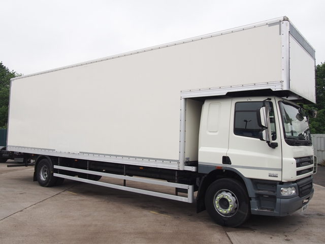 Daf FA CF65.220 30 Foot 5ins Luton Box MX14 BTY 001