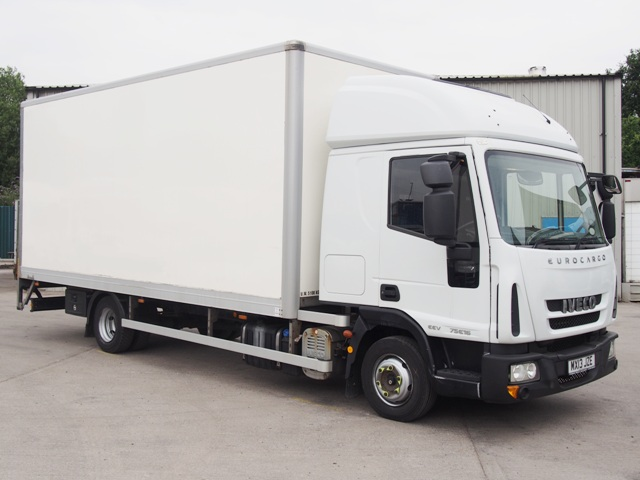 Iveco EuroCargo 75 E16 Sleeper 20 Foot Box Taillift MX13 JZE