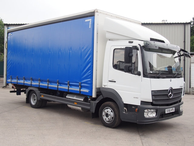 Mercedes Atego 816 20 Foot 6ins Curtain Taillift SV66 HPU 001