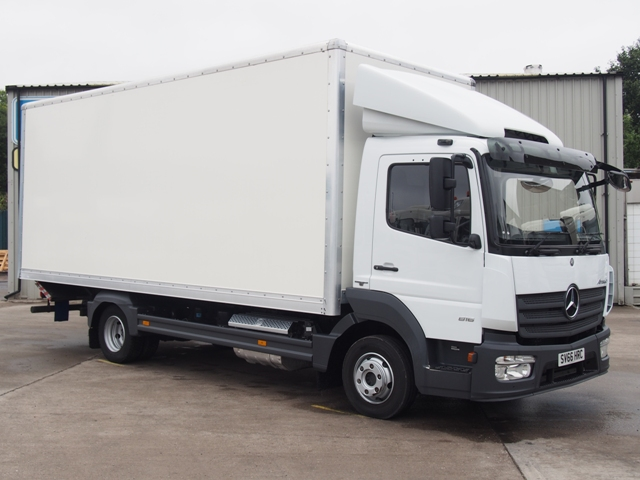 Mercedes Atego 816 20 Foot 7ins Box Taillift SV66 HRC 001