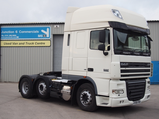 DAF FTG XF105.460 SuperSpace 6x2 Tractor Unit AY09 FHS 001.JPG